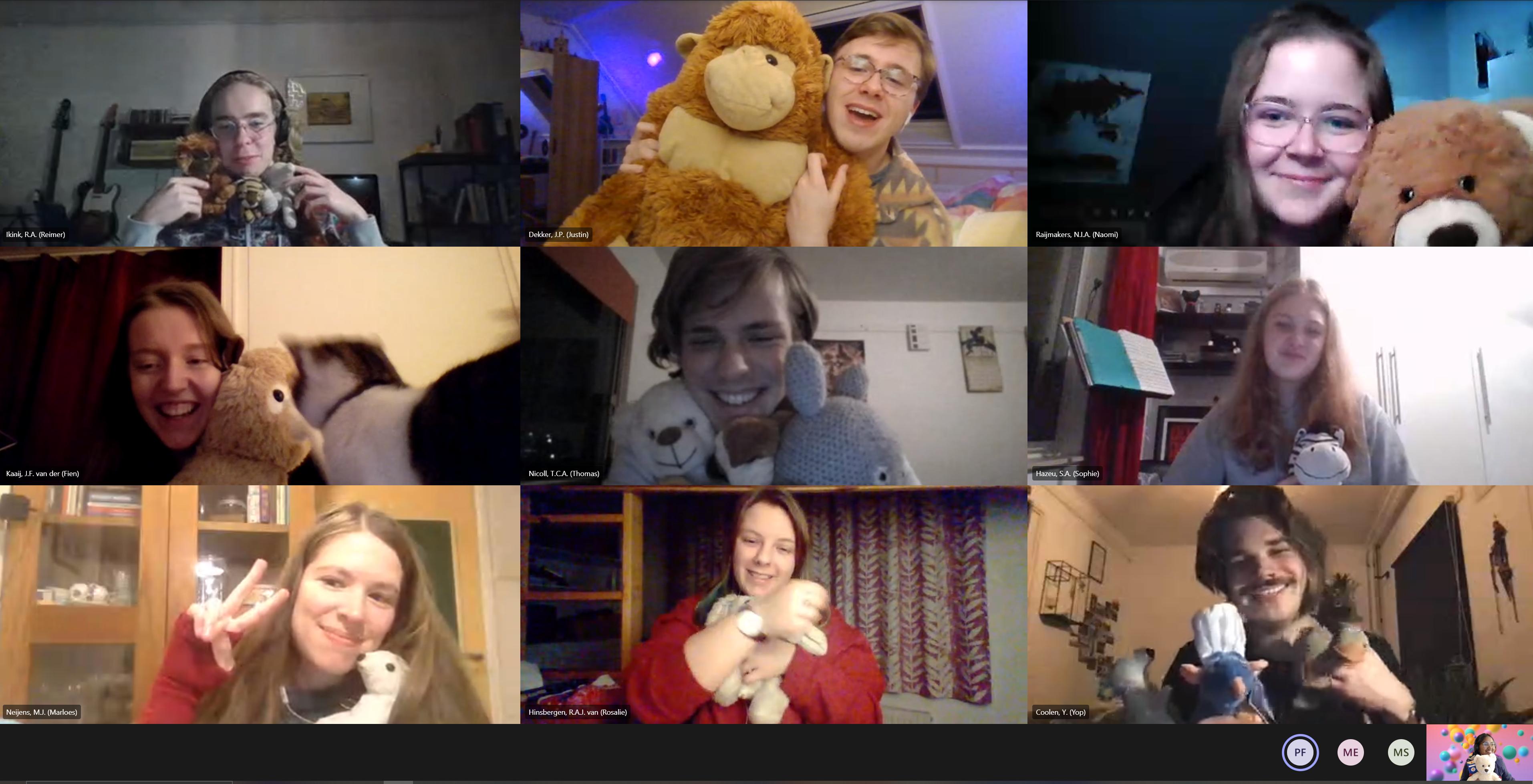 Online knuffelborrel